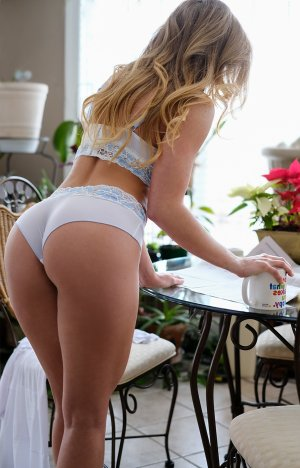 Housna outcall escorts in North Bethesda, MD